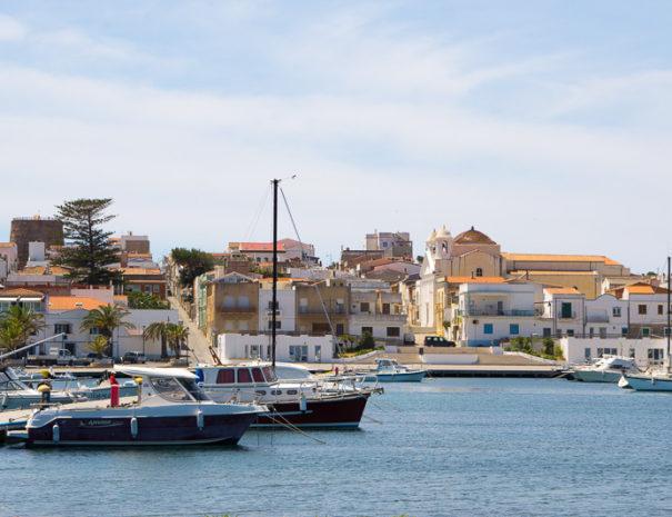 Porto turistico di Calasetta, visita il Sulcis Iglesiente soggiornando all'Agriturismo Sirimagus