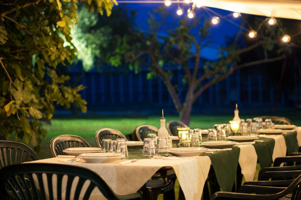 cenare all'aperto - Agriturismo Sirimagus